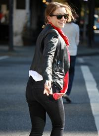Sarah Lee Bolger out for a walk in Vancouver October 6, 2012
