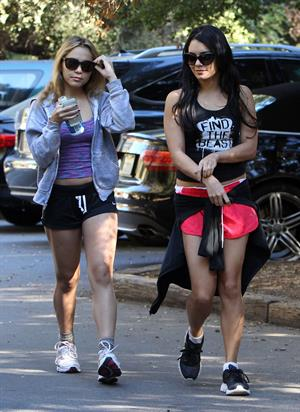 Vanessa Hudgens out and about in Studio City 10/29/12 Gal Number : 20121109182701775e-20
