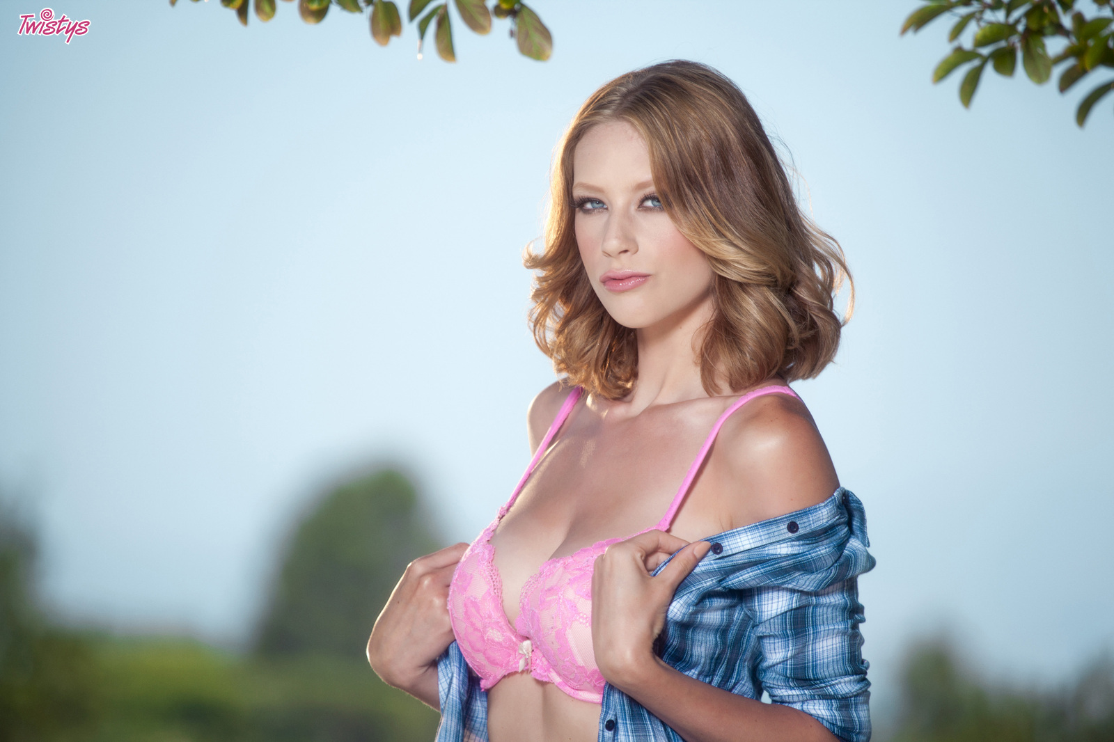 Horny At The Park.. featuring Anya Amsel | Twistys.com