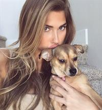 Kara del Toro taking a selfie