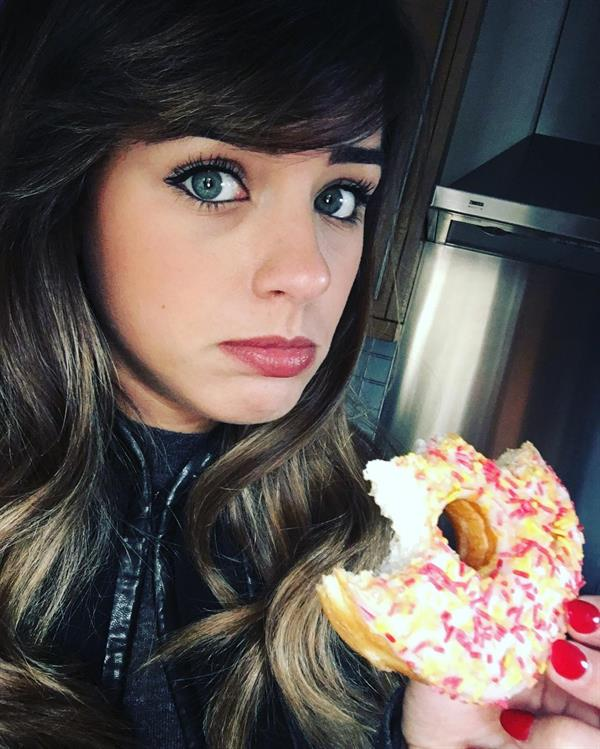 Georgia May Foote taking a selfie