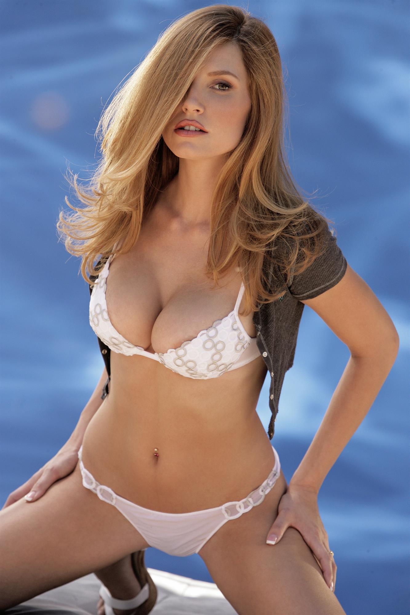 Jamie Lynn in lingerie