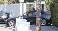 Rosie Huntington Whiteley - Running errands in West Hollywood (13.02.2013)