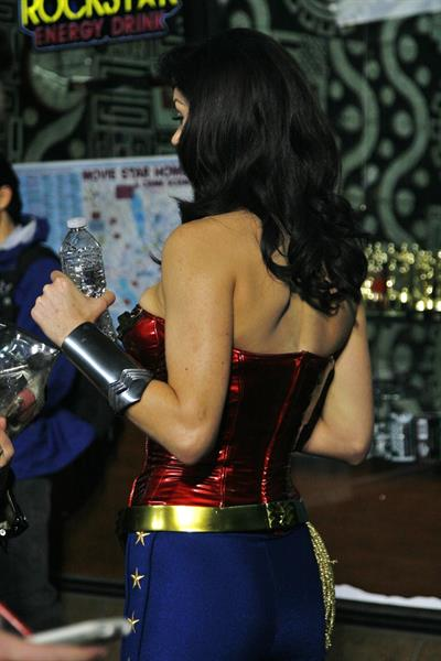 Adrianne Palicki on Wonder Woman set 3/31/2011