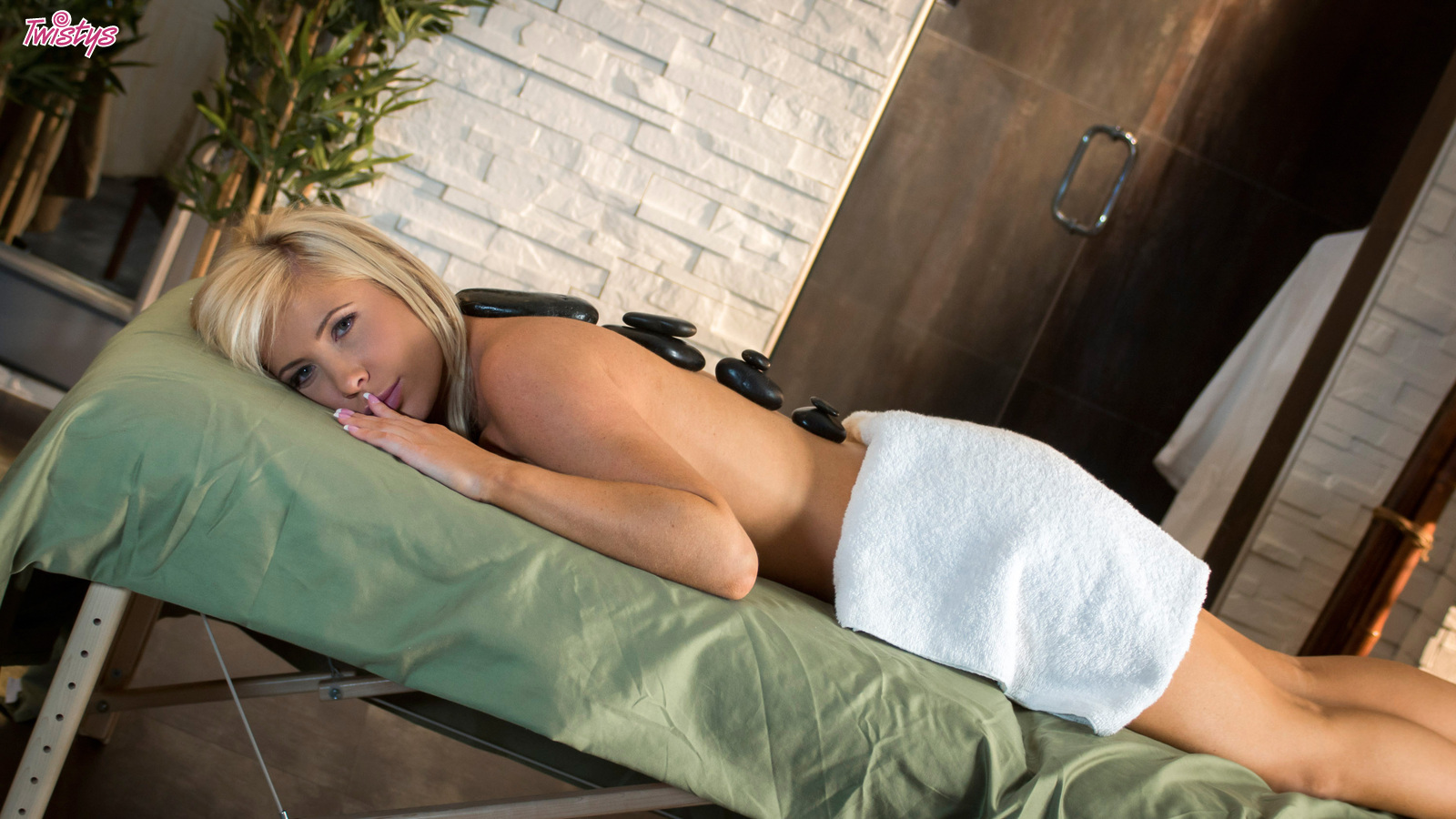 A Hot Massage.. featuring Tasha Reign | Twistys.com