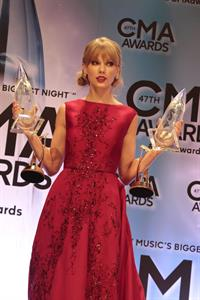 Taylor Swift - 47th Annual CMA Awards 11/6/13