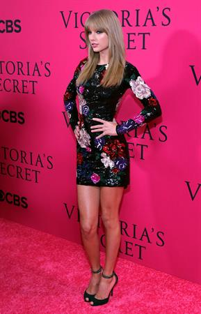 Taylor Swift at the 2013 Victoria's Secret Fashion Show
