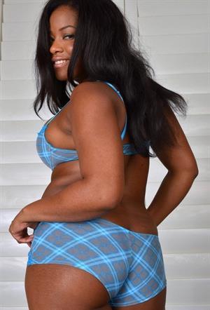 Monique Symone takes off her blue lingerie