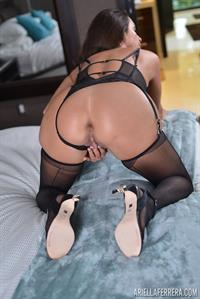 Latina model Ariella Ferrera masturbates in nylons