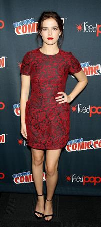 "Zoey Deutch – ""Vampire Academy"" Panel NYCC 10/11/13"