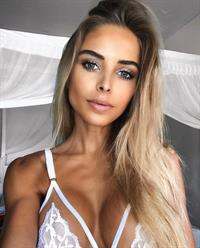 Chiara Bransi taking a selfie