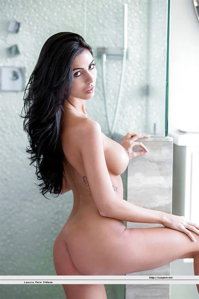 Ashlee Lynn - tits and ass