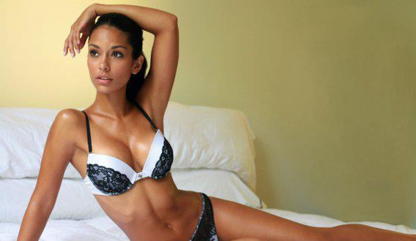 Manuela Arbelaez in lingerie