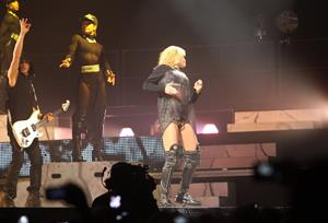 Rihanna performs 'Diamonds World Tour' in Antwerpen (June 5, 2013)