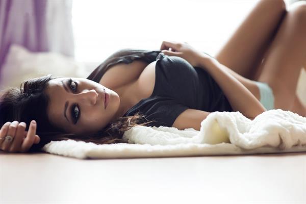Yvonne Van Cae