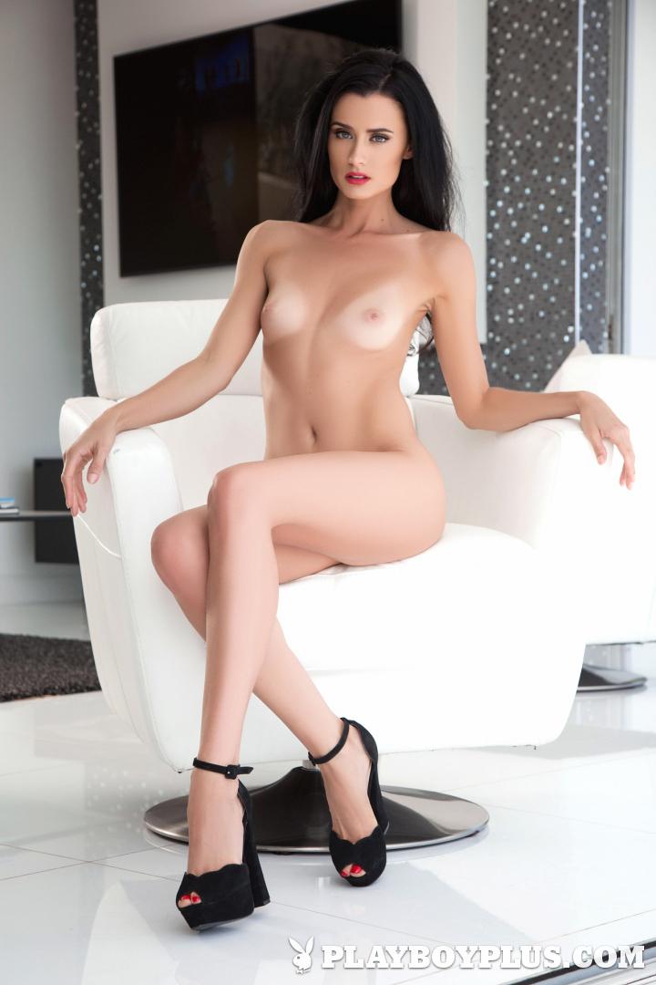 Hot naked slender slit