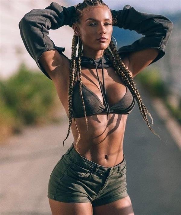 Jena Frumès