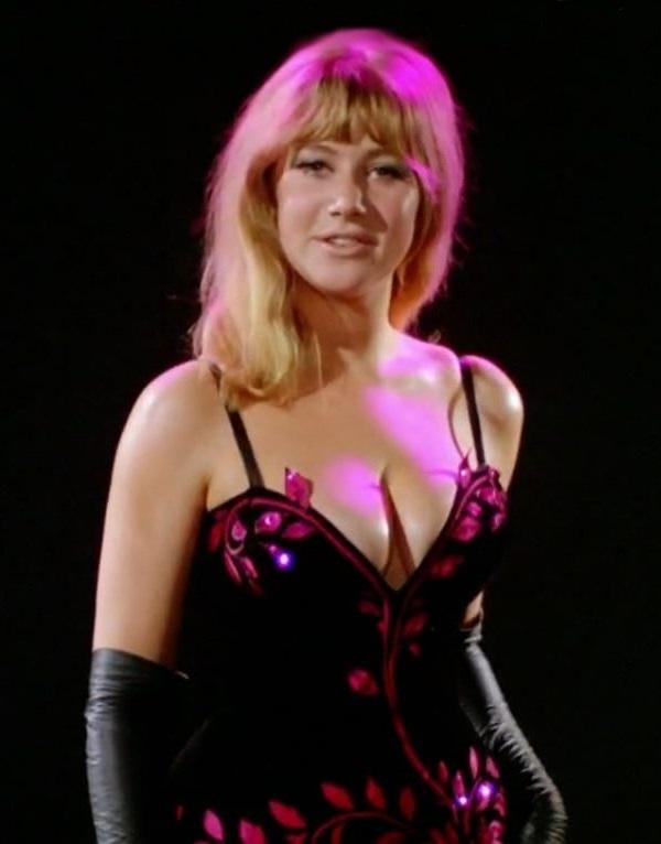 Helen Mirren Nude - 5 Pictures: Rating 7.00/10