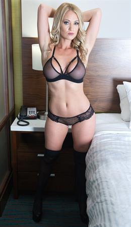 Shannyn XO in lingerie - breasts