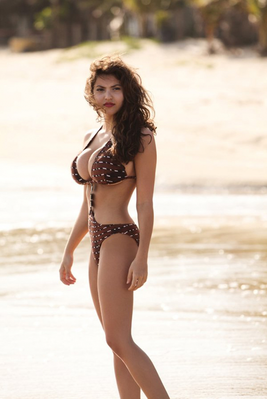 nackt Boufhal Francoise Naked Celebrities