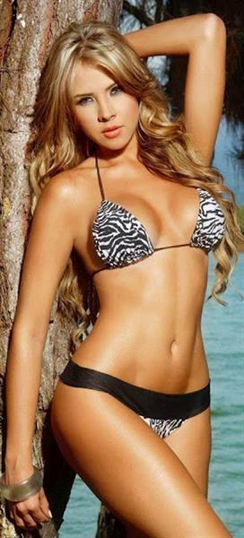 Liliana Henao in a bikini