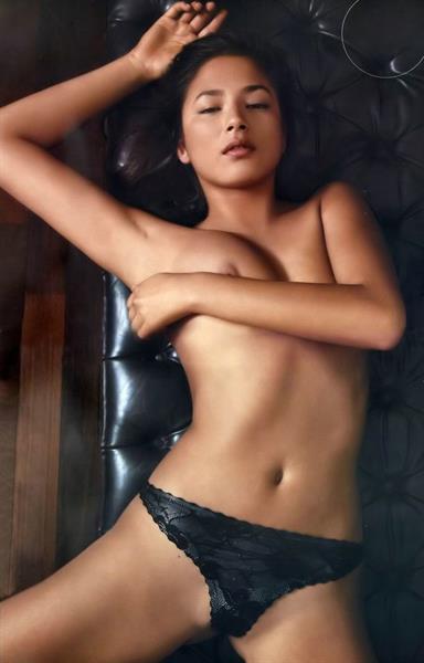 Jessica Gomes - breasts