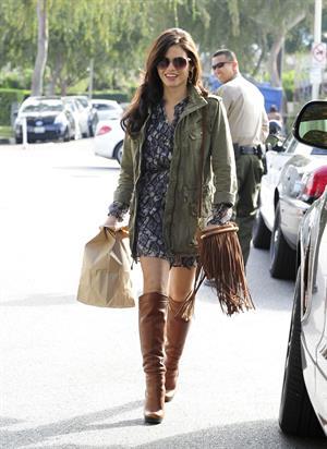Jenna Dewan Running errands in Beverly Hills (November 14, 2012)