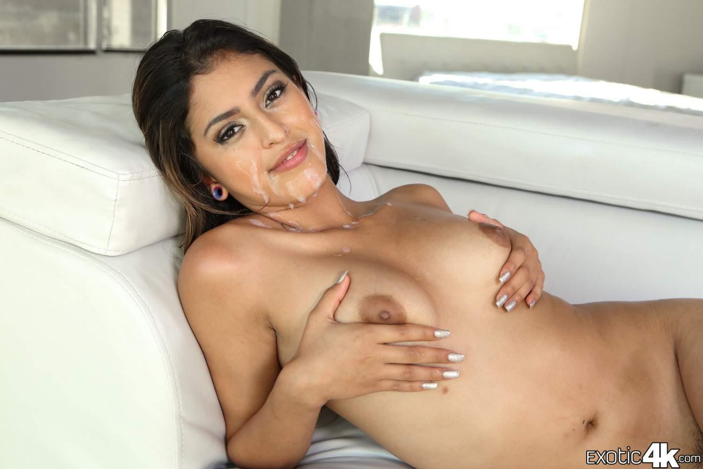Sophia Leone Naked