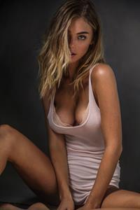 Elizabeth Turner nipple