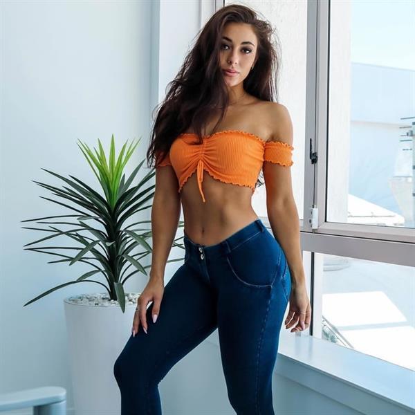 Danielle Robertson