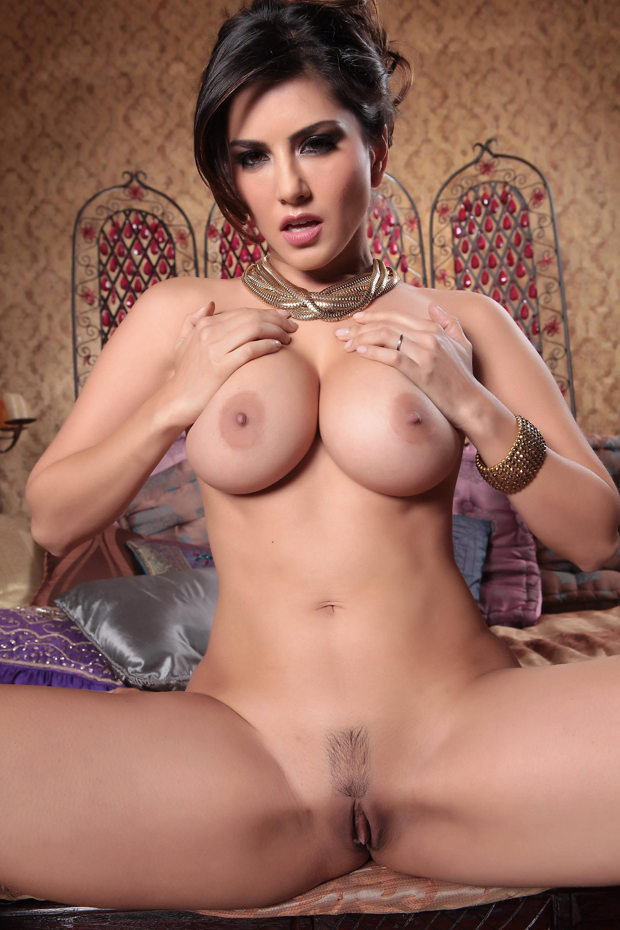 Nude sunny leone pictures