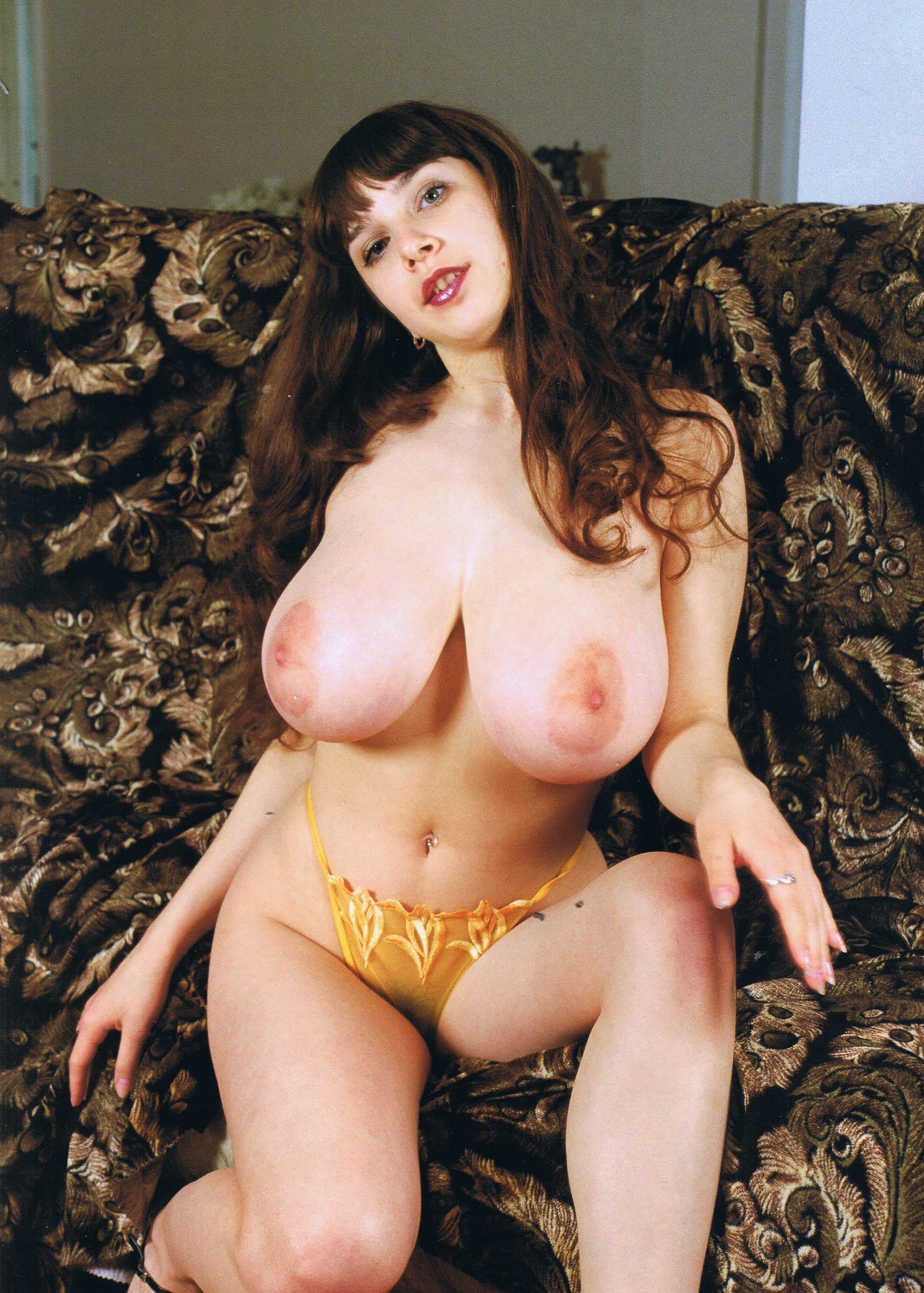 Yulia nova naked