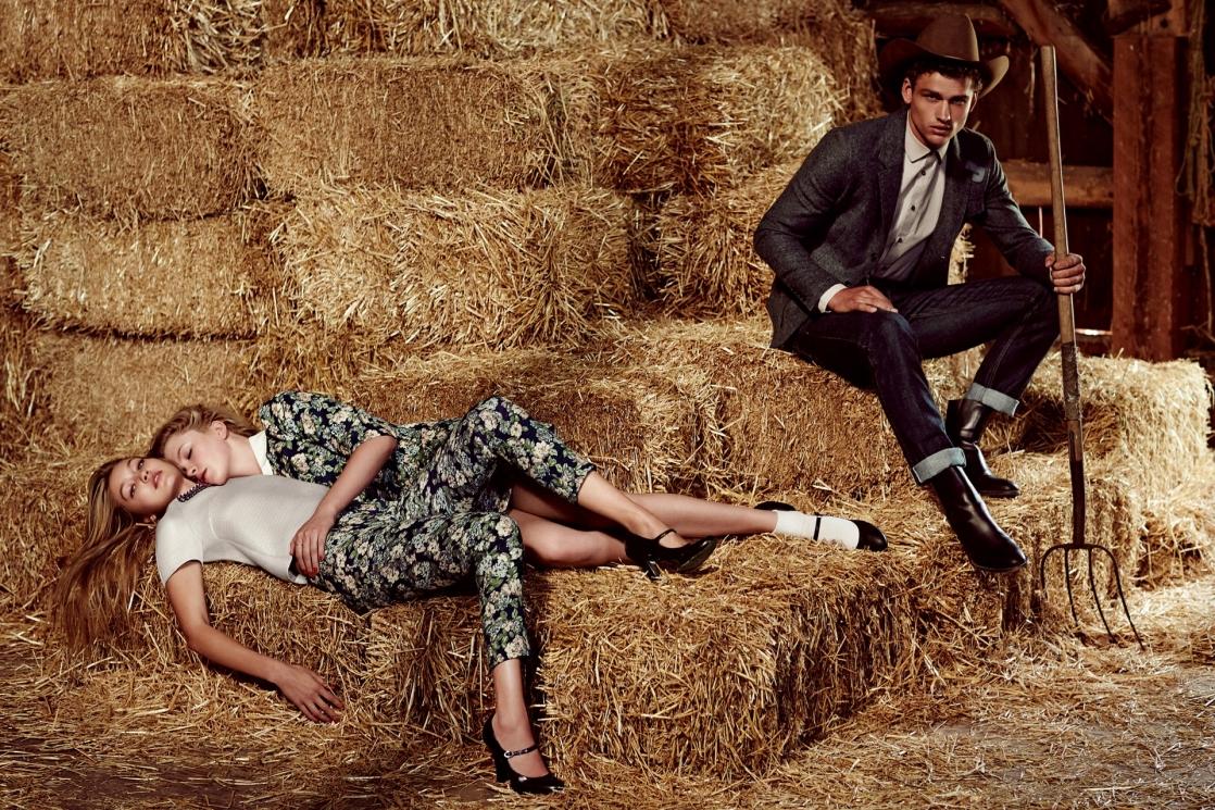 Женщина с мужчиной на сеновале в картинках русские