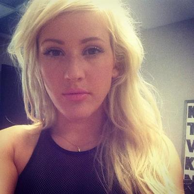 Ellie Goulding taking a selfie