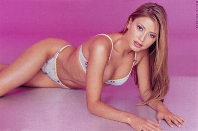 Holly Valance in lingerie