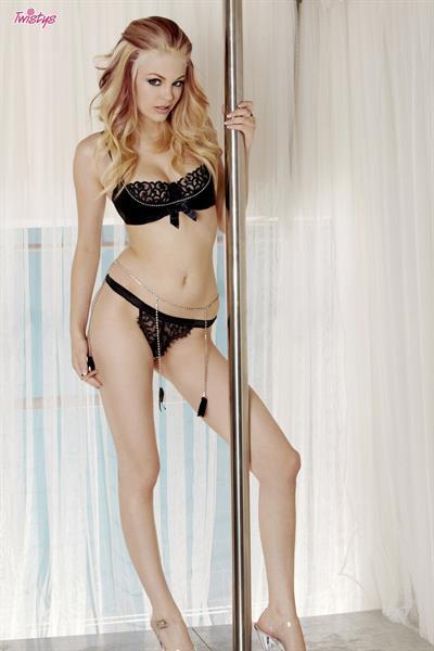 Bree Daniels in lingerie