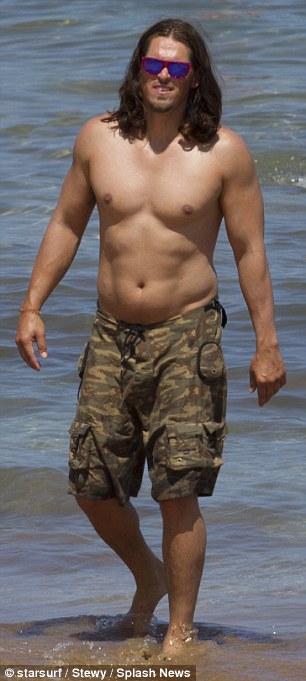 Steve Howey