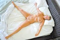 Alice Wonder - pussy and nipples