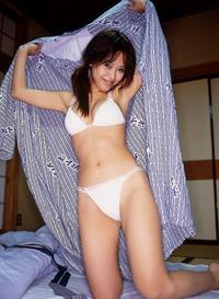 Hitomi Itoh in lingerie